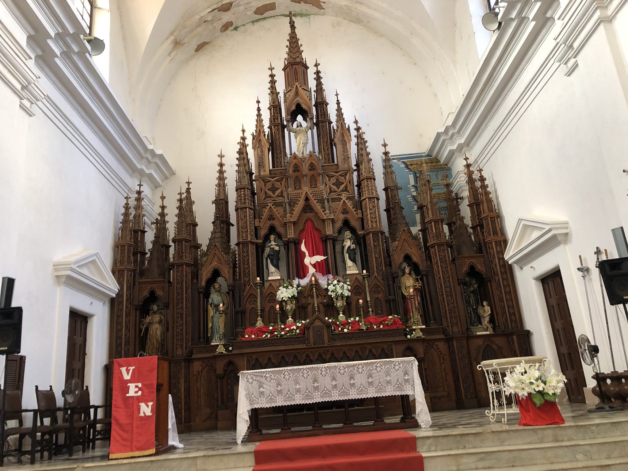 Wooden Alter Of The Holy Trinity Church